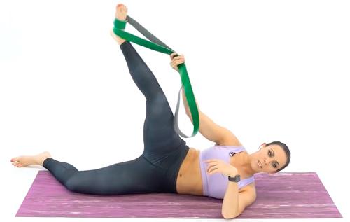 Растяжка передних мышц бедра B