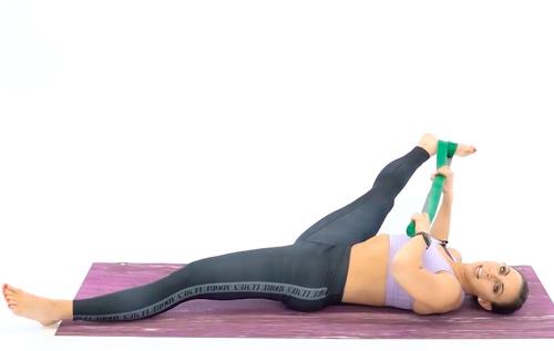 Растяжка приводящих мышц B