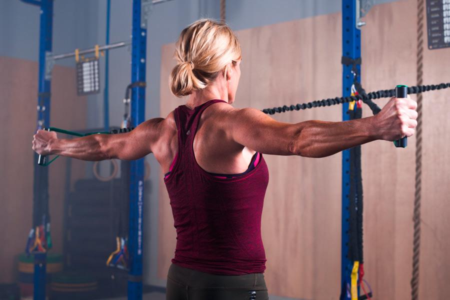 Упражнения для восстановления и укрепления плеч